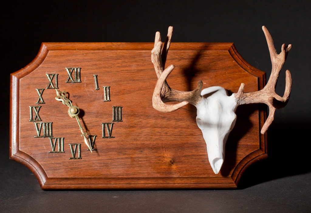 Wall hanging Non-Typical Mule Deer clock